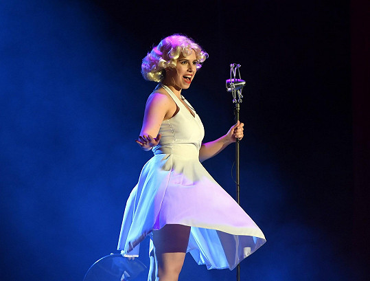 Během charitativního představení se ukázala jako Marilyn Monroe.