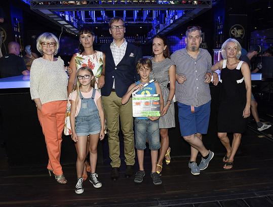 Tito herci se v připravované rodinné komedii objeví.