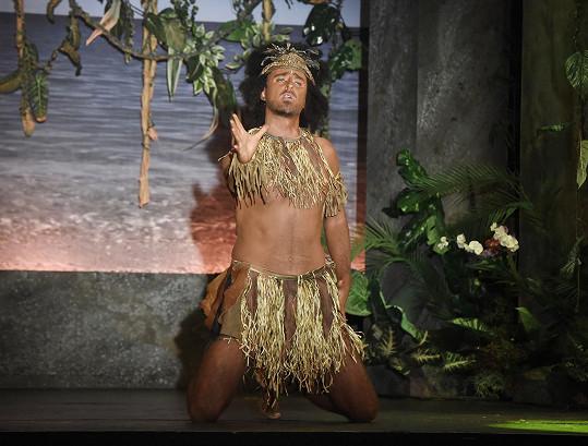 Mirek Hrabě hraje v muzikálu Robinson Crusoe roli kanibala Pátka.