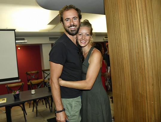 S kolegou Mirkem Hrabětem Anna hraje v novém představení Přelet nad kukaččím hnízdem, které se 14.9. dočká už druhé premiéry.