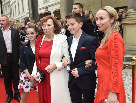 Livie Klausová s rodinou