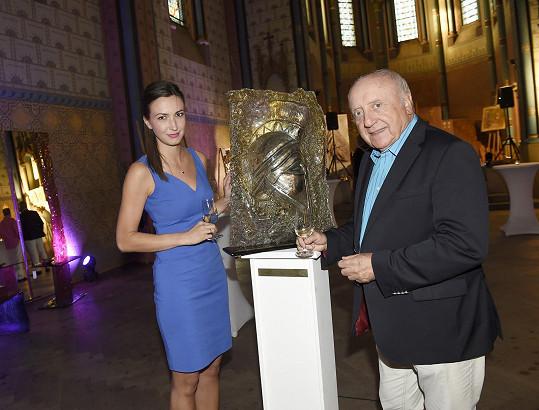 Felix Slováček a Lucie Gelemová na výstavě umění Achilleas by Roman.