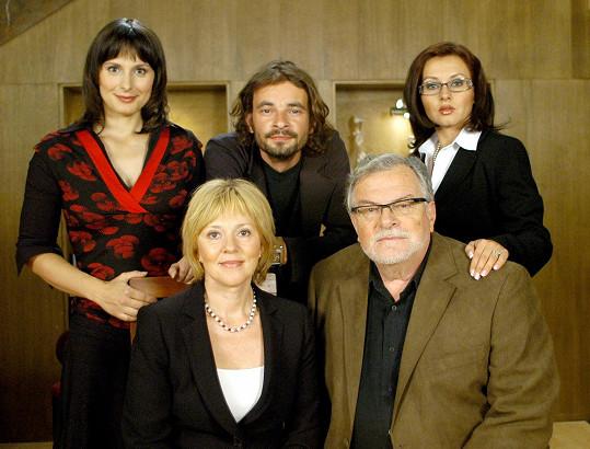Seriál vyprávěl o rodině Rubešových.
