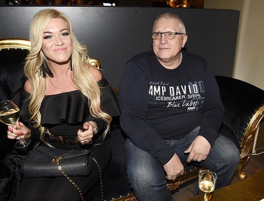 Dominika Myslivcová a Antonín Charouz na otevření nového music baru.