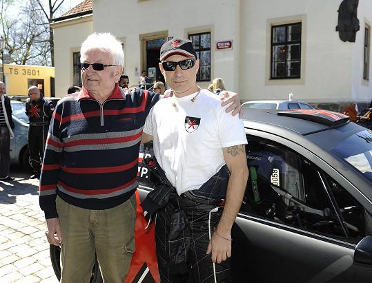 Danovi auto pokřtil jeho tatínek Stanislav.