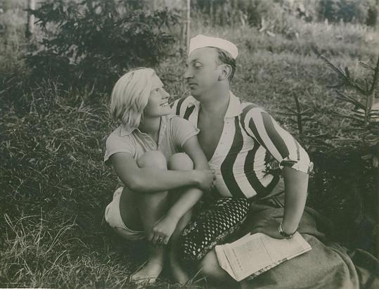 Jiřina Steimarová a Čeněk Šlégl ve filmu Dobrý tramp Bernášek (1933)