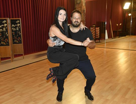 Xindl X trénuje pod vedením profesionální tanečnice Markéty Dostálové.