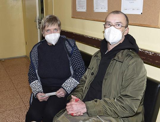 Do nemocnice herečku doprovodil kolega a kamarád Ruda Kubík.