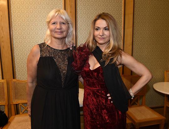 Yvetta s MUDr.Ivanou Němečkovou,která jí pro ten večer dělala doprovod.