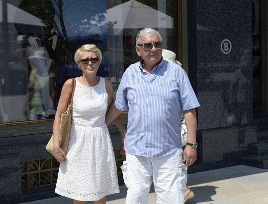 Miroslav Donutil s manželkou Zuzanou na kolonádě