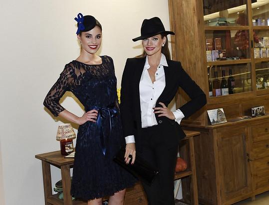 Tereza s Andreou Verešovou na reopeningu Domu módy