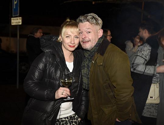 Aleš s manželkou Gábinou na letošním vánočním večírku Divadla Broadway