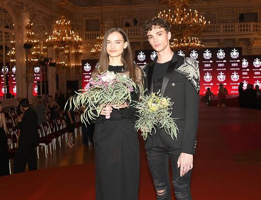 Čeští vítězové letošního ročníku Schwarzkopf Elite Model Look Amélie Konšelová a Alex Hanus