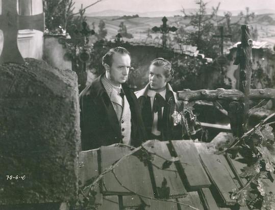 V dramatu Paličova dcera (1941) si zahrál syna Františka Smolíka.