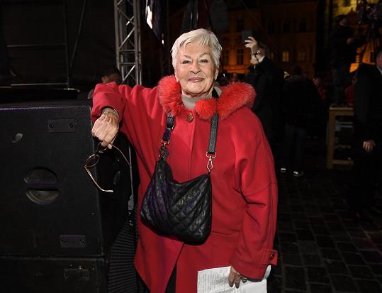Legendární televizní hlasatelka Kamila Moučková zemřela ve svých 92 letech.
