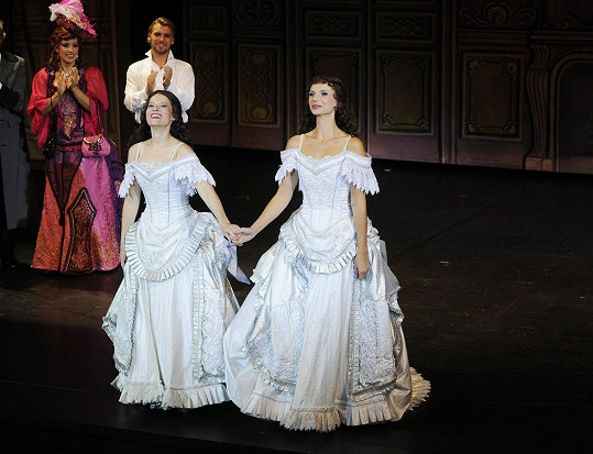 Míša s kolegyní Monikou Sommerovou jako Christine ve Fantomovi opery
