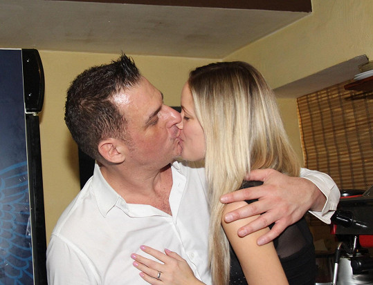 Davide Mattioli s přítelkyní Lenkou