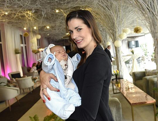 Eva Jasanovská s malým Adriánkem