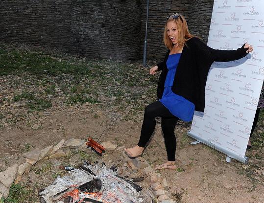 Míša Nosková zase uvažovala, že by kráčela po žhavém popelu...