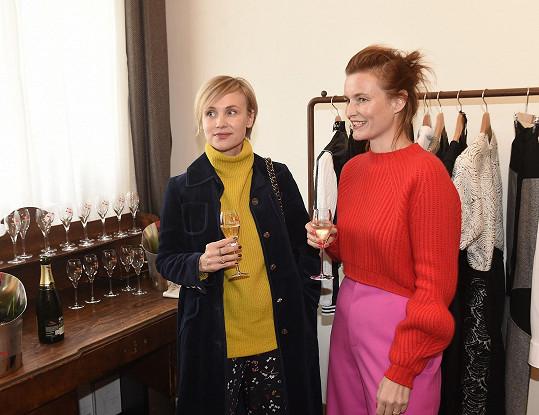 S návrhářkou Kateřinou Geislerovou se shodují v barvách.