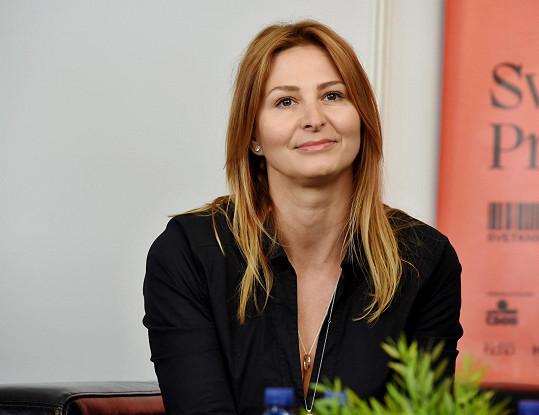 Ivana Gottová na knižním veletrhu