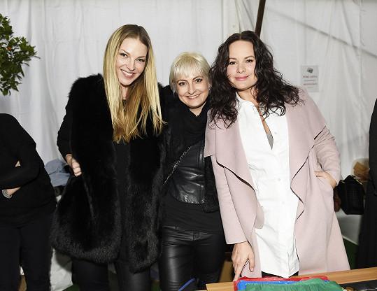 Naštěstí jí pomáhaly i Jitka Čvančarová a Pavlína Němcová.
