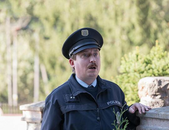 Oblíbená postava strážmistra Topinky ze seriálu Doktor Martin se dočká vlastního seriálu.