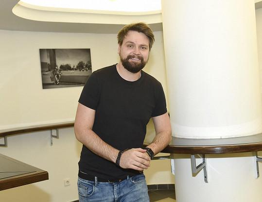 Josef Vágner se poslední měsíce věnuje rozvážení jídla.