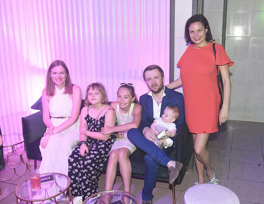 Letošní Vary pojali jako rodinnou dovolenou.