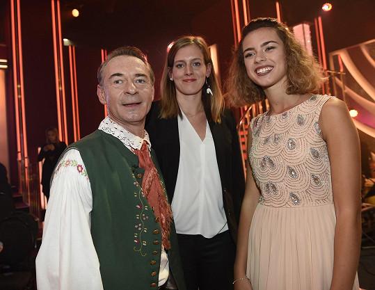 Jiřímu Dvořákovi přišly fandit dcera Anna i přítelkyně Jitka.