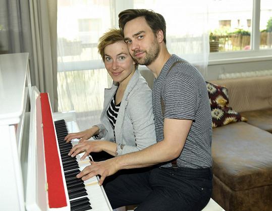 V dietě a sportu ho podporuje i jeho přítelkyně Tereza Krippnerová, se kterou má ročního synka Tobiáše.