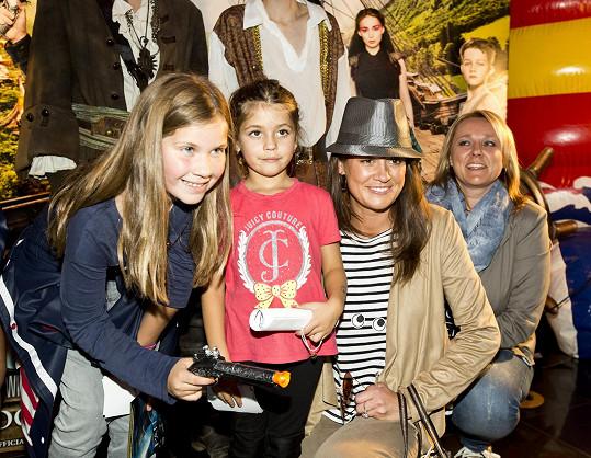 Petra Faltýnová s dcerou Adriankou a její kamarádkou