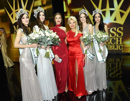 Natali s Táňou Makarenko a vítězkami Miss Czech Republic
