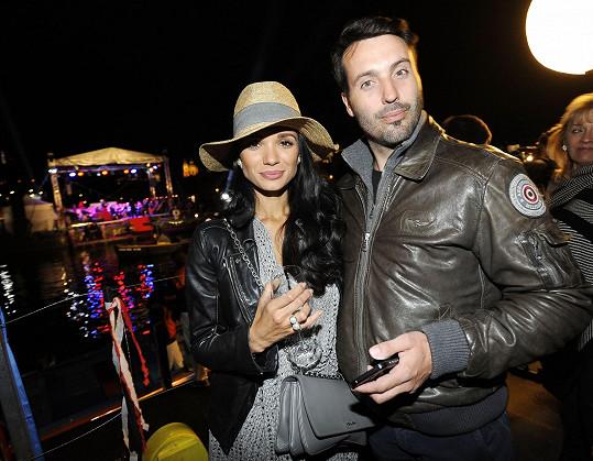 Dorazili i Vašek Noid Bárta s manželkou Gábinou.