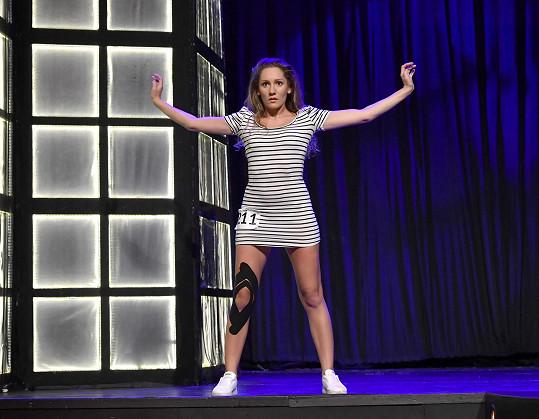 Andrea se během castingu a zkoušek kabaretní show nešetřila.