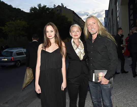 Kamil Střihavka s rodinou na premiéře Romea a Julie