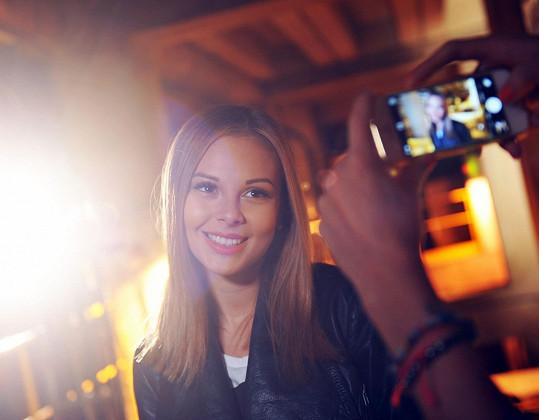V klipu hraje i Monika Bagárová.