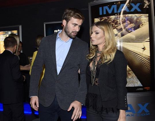 Petra Svoboda vyrazila na premiéru nové bondovky s přítelem.