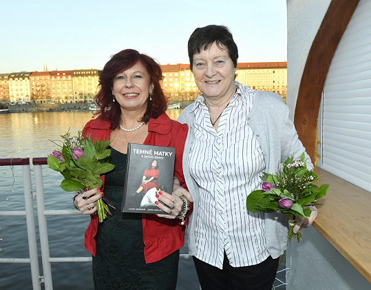 Autorky knihy Temné matky a jejich dcery Lucie Jandová a Dana Kaplanová (vpravo)