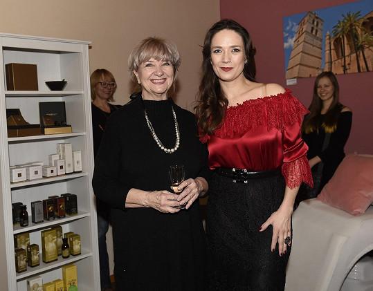 Manželé mají jednu společnou dceru - Terezu Kostkovou, která je také herečka.