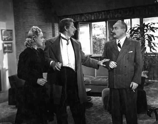 Film byl plný hvězdných jmen: Zde zleva: Věra Ferbasová, Vlasta Burian a Jaroslav Marvan