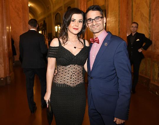 Radek Banga s manželkou Veronikou na plese StarDance v Obecním domě.