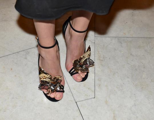 Skvostné sandály od značky Jimmy Choo.
