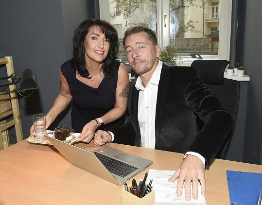 S kolegou Petrem Vondráčkem při natáčení