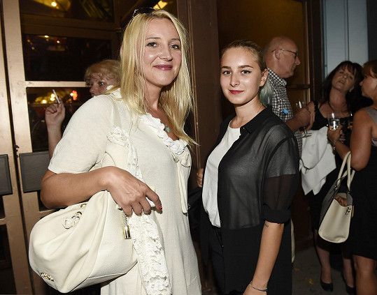 Také Mirjam Landa přišla s dcerou.