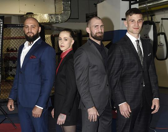 S partou zápasníků fotili speciál MMA Bernhardt Fashion.