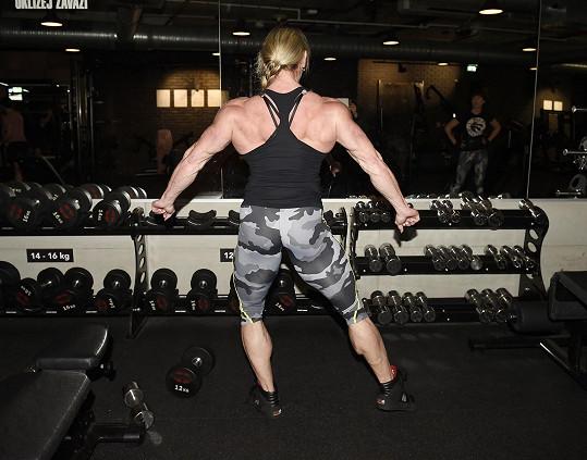 Má neuvěřitelné svaly.