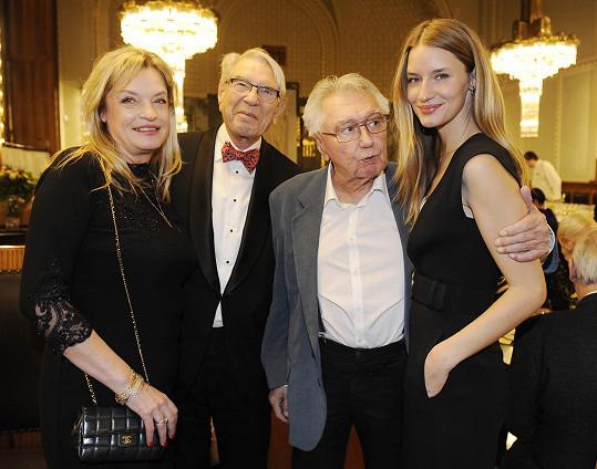 Josef Zíma s patronkou koncertu Lindou Vojtovou, Vadimem Petrovem a jeho dcerou Taťjánou.