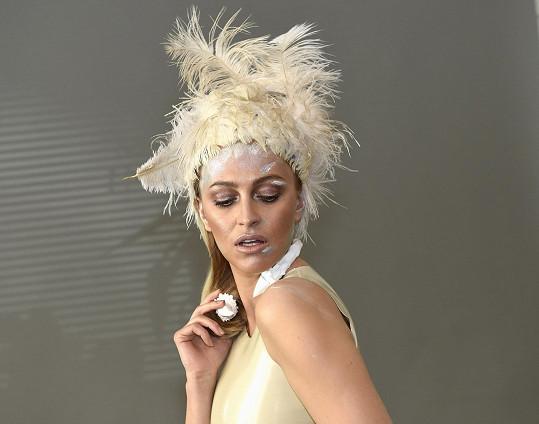 Renata chce práci modelky upozadit a věnovat se jiným činnostem.