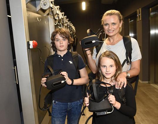 Jana Adamcová se svými dětmi